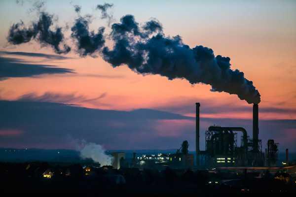 Camilo Ibrahim Issa - La contaminación industrial