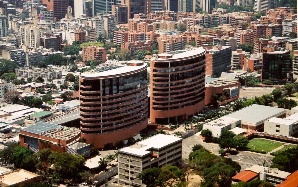 Camilo Ibrahim Issa - Camilo Ibrahim Issa: Centro San Ignacio, más que un centro comercial en Caracas
